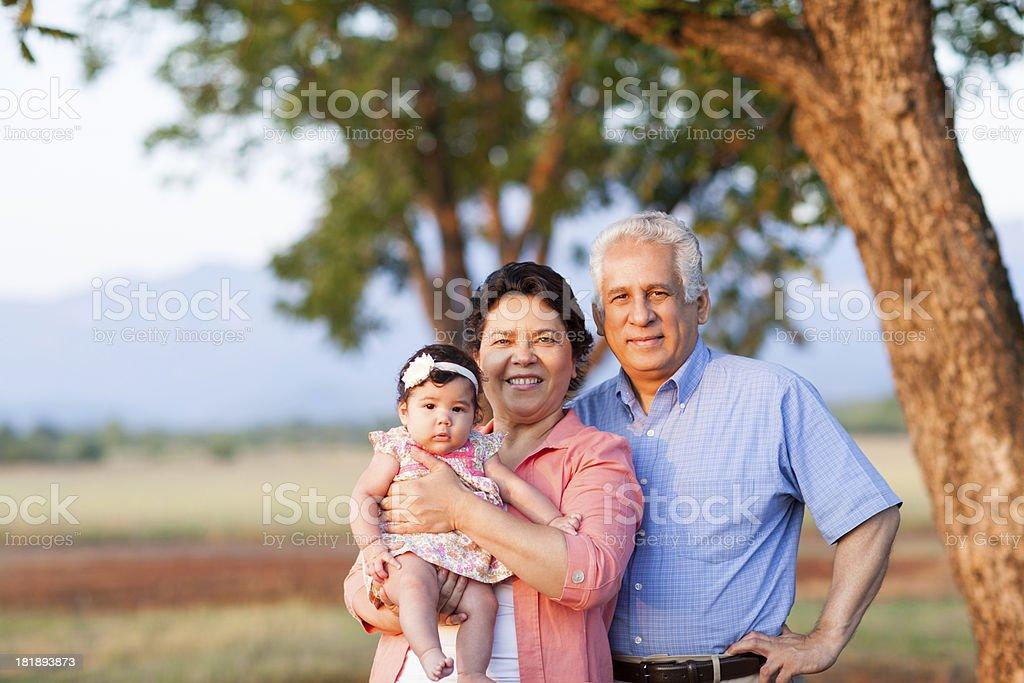 Feliz abuelos - foto de stock