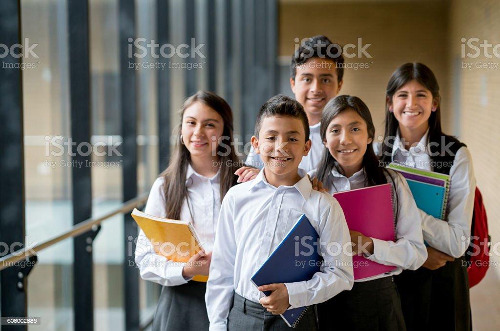 Glückliche Gruppe von Studenten  – Foto