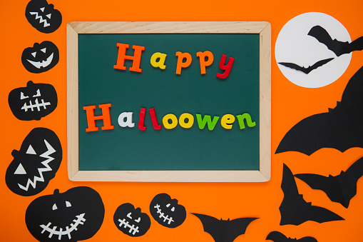 istock Happy Halloween 1055200544