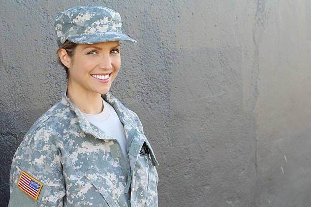 happy healthy army female soldier - militäruniform stock-fotos und bilder