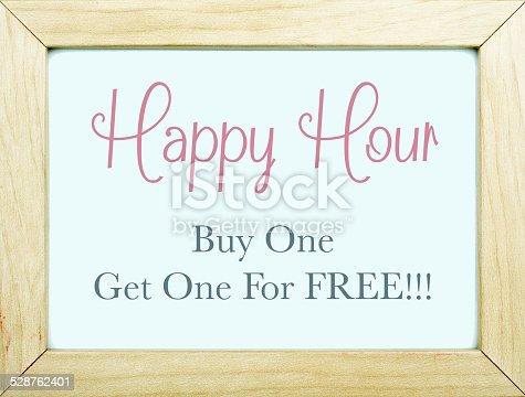 istock Happy Hour Sign 528762401