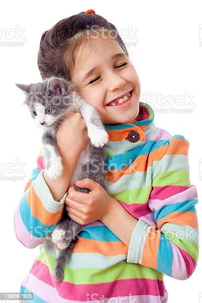 Happy little girl cuddle kitten picture id138087905?b=1&k=6&m=138087905&s=612x612&h= zzgbvzs1dmfhi9dbukcb7hbb0s6gfwu0xskeczkq8q=