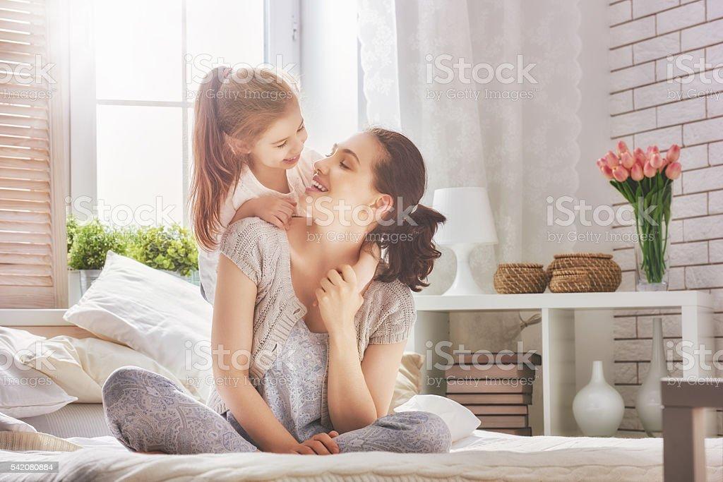 Glücklich liebevolle Familie – Foto