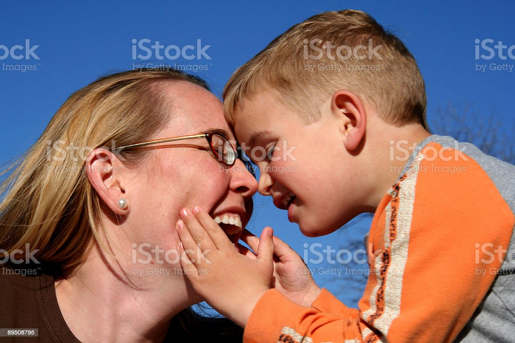 Happy Mom and Son 免版稅 stock photo