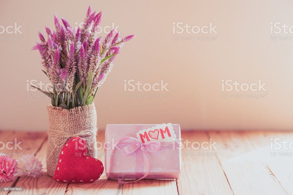 Happy Mothers Day Concept Gift Box With Purple Flower Paper Tag With