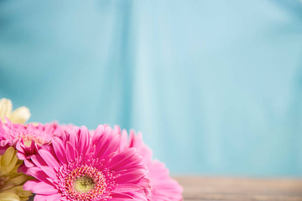 Glücklicher Muttertag Blumenstrauß in Rosa und Gelb. – Foto