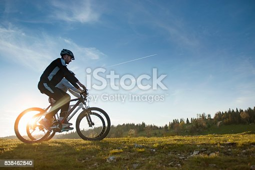 959028830 istock photo Happy mountainbike couple outdoors have fun together on a summer afternoon 838462840