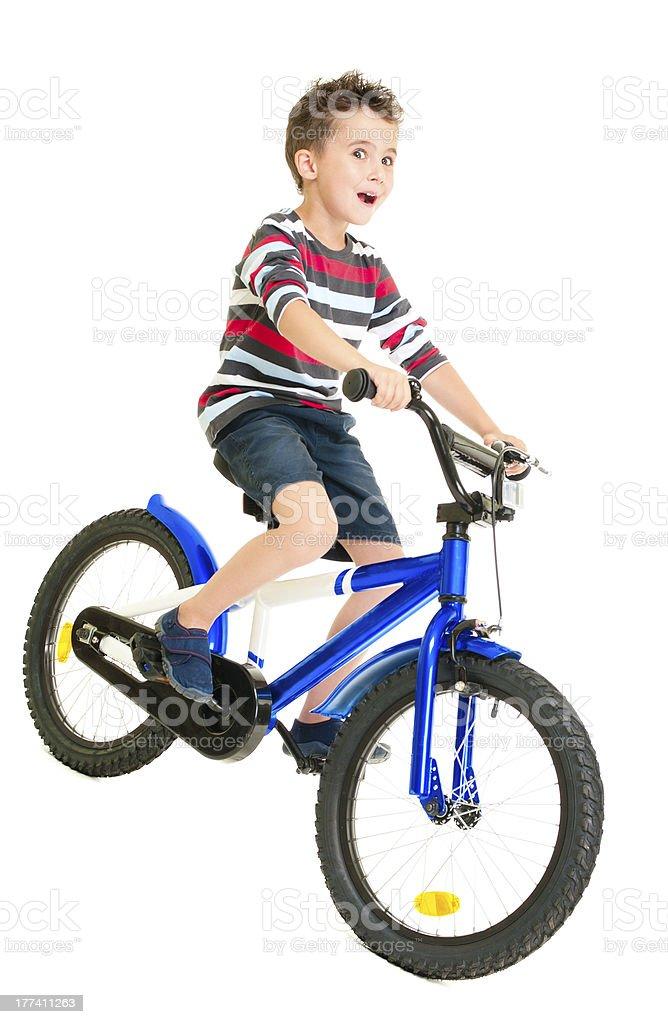 Glücklich fühlten kleine Junge Reiten Fahrrad – Foto