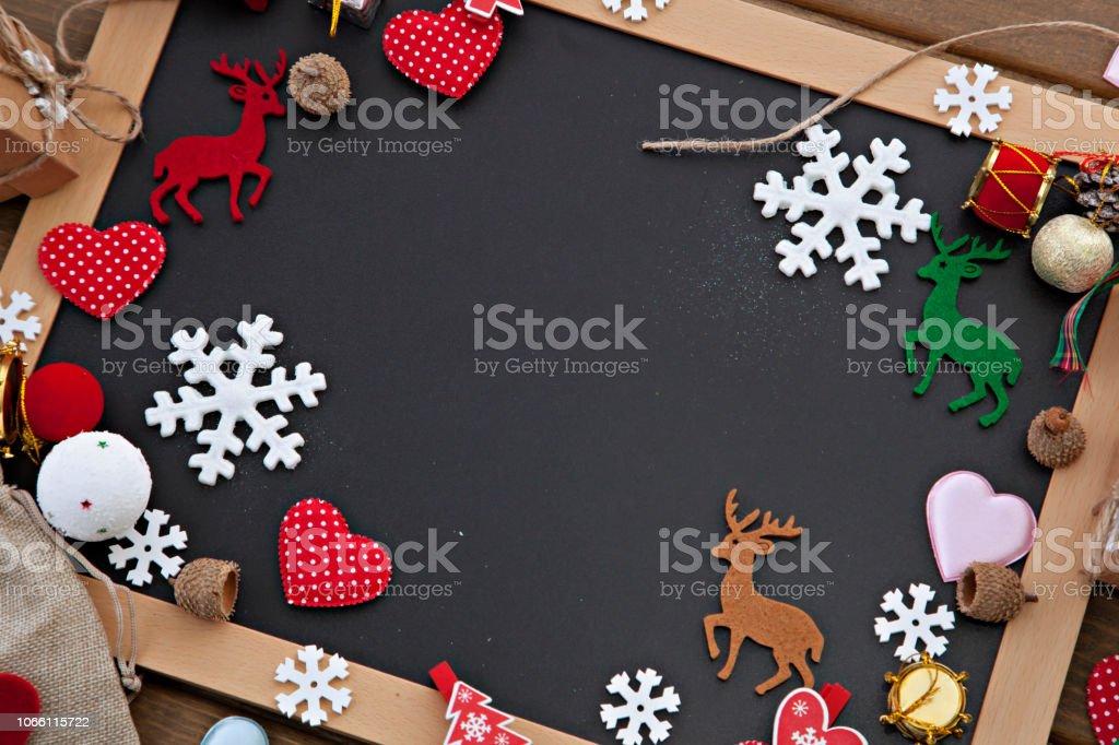 Noel arka plan ile mutlu yeni yıl mesajı stok fotoğrafı