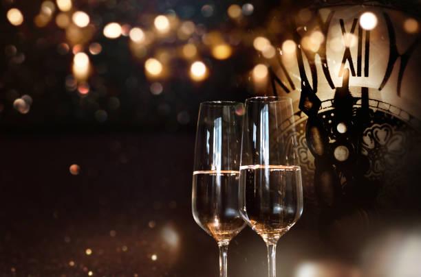 frohes neues jahr mit champagner - silvester deutschland stock-fotos und bilder