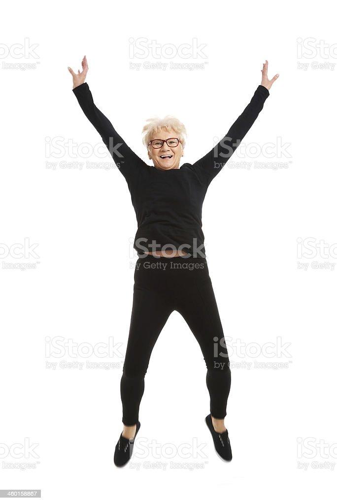 Feliz mujer salto. - foto de stock