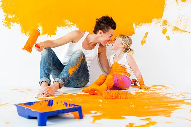 happy maler - kinderfarben stock-fotos und bilder