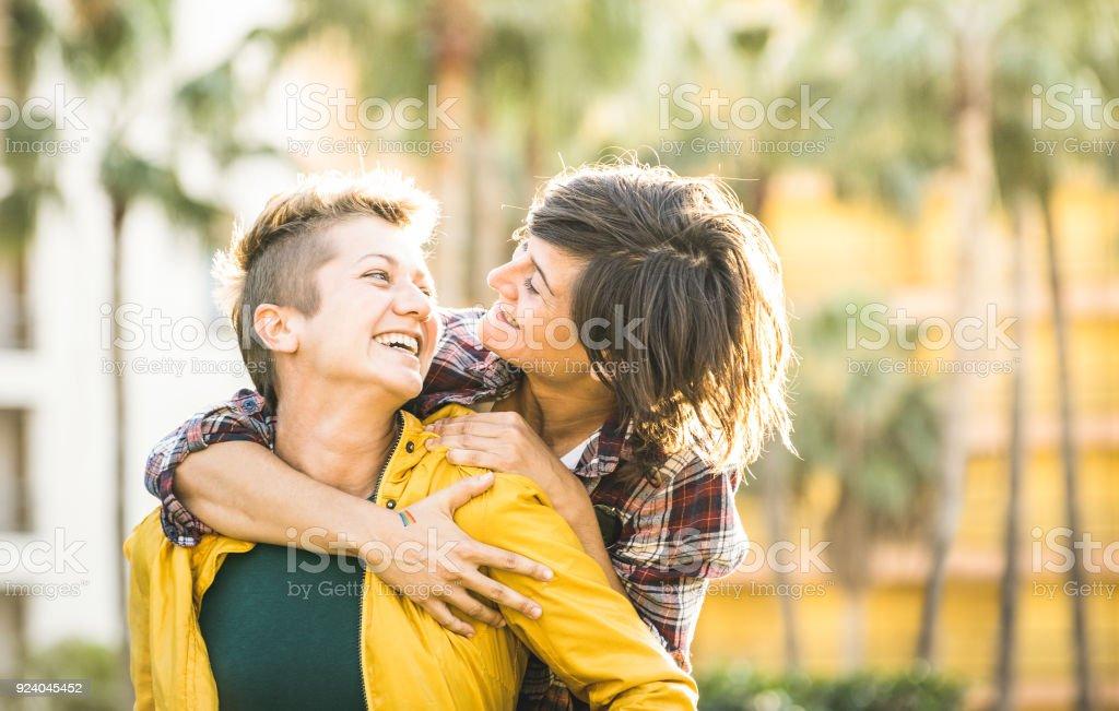 lesbienne anal Galerie