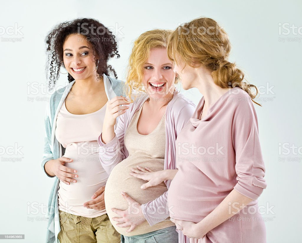 Feliz mujeres embarazadas - foto de stock