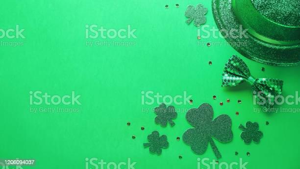 Happy saint patricks day card with traditional symbols shamrock green picture id1206094037?b=1&k=6&m=1206094037&s=612x612&h=gyftucrpkhii4fidnnoaazqghl3vibc3xr2kfhqtyuu=