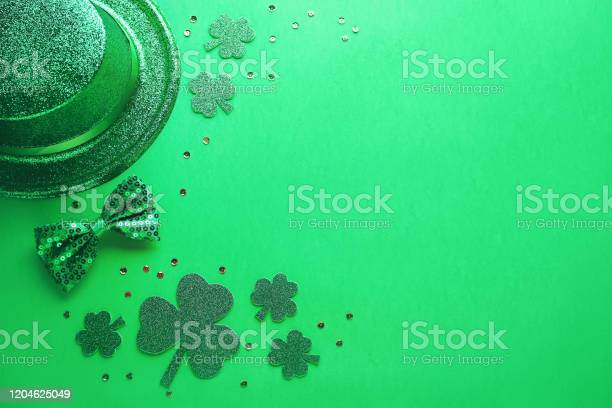 Happy saint patricks day greeting card with traditional symbols picture id1204625049?b=1&k=6&m=1204625049&s=612x612&h=udnoty1wajoibvr2d3yzblufro7wxiacpmx0kcaza o=