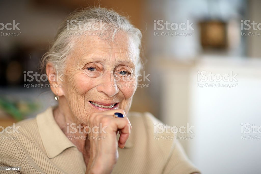 Glückliche senior Frau – Foto