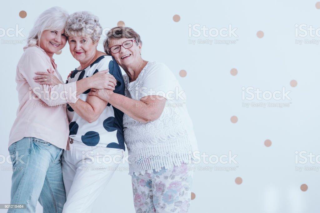 Frauen über 60 treffen [PUNIQRANDLINE-(au-dating-names.txt) 51