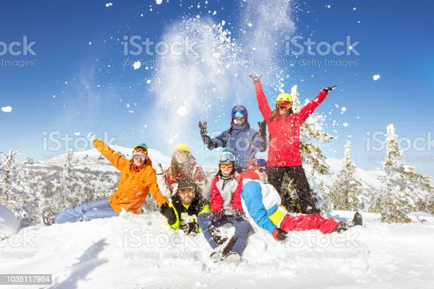 Happy skiers and snowboarders winter vacations picture id1035117954?b=1&k=6&m=1035117954&s=612x612&h=btdqedta1r2nbzbcq6y1cexifwaqayzj7d1xf qriqu=