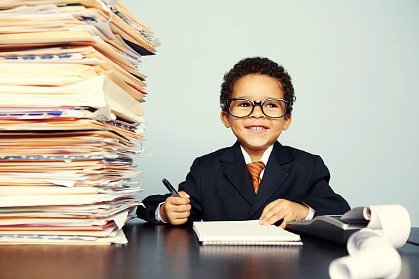 happy steuern kinder - letzter arbeitstag stock-fotos und bilder