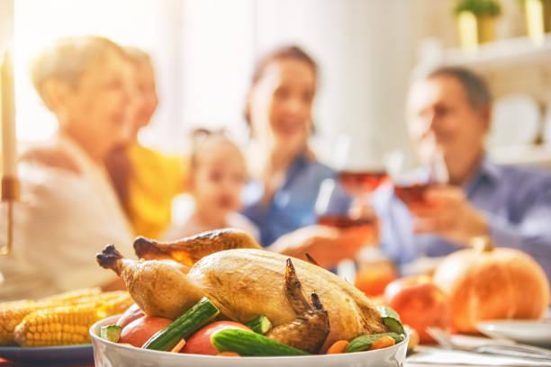 happy thanksgiving - tagesgericht stock-fotos und bilder