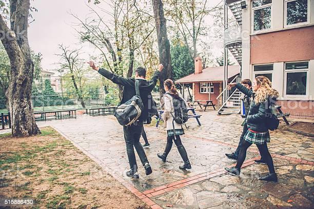Happy turkish students leaving school campus in istanbul picture id515886430?b=1&k=6&m=515886430&s=612x612&h=vpyzzmqiugfhudedzppb3gcjo2bbiztlp2da4x0d6yq=