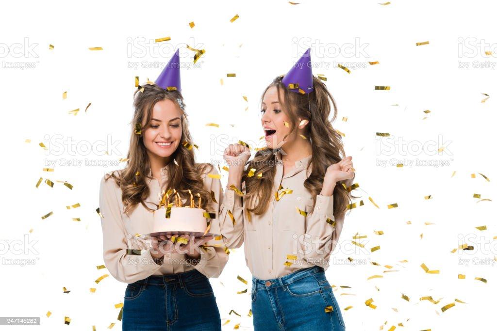 Glucklich Zwillinge Geburtstag Caps Blick Auf Geburtstagskuchen