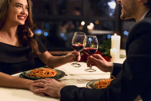 mutlu sevgililer günü kavramı - romantiklik stok fotoğraflar ve resimler