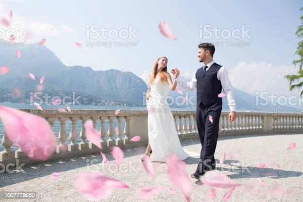 Happy wedding picture id1007729650?b=1&k=6&m=1007729650&s=612x612&h=9xqncg1wbruravs4qo8q hczr0ywmtj9lx n4bgsb3c=