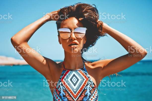 Happy woman at sea picture id915166076?b=1&k=6&m=915166076&s=612x612&h=wnbbcgqvovtnqa0wuptf8lx3elyxnu oz icmokgj o=