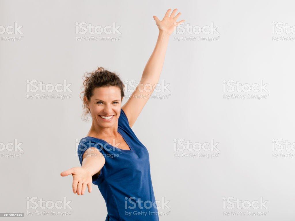 b4316dc21d Glückliche Frau Stockfoto und mehr Bilder von Alter Erwachsener - iStock