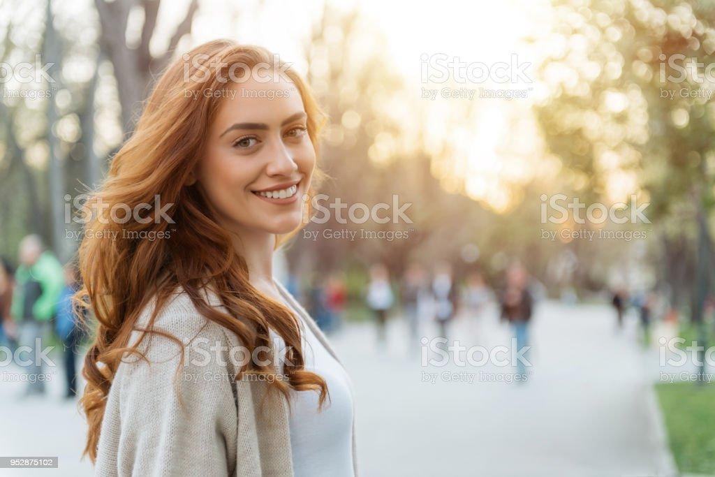 Glückliche Frau - Lizenzfrei Frauen Stock-Foto