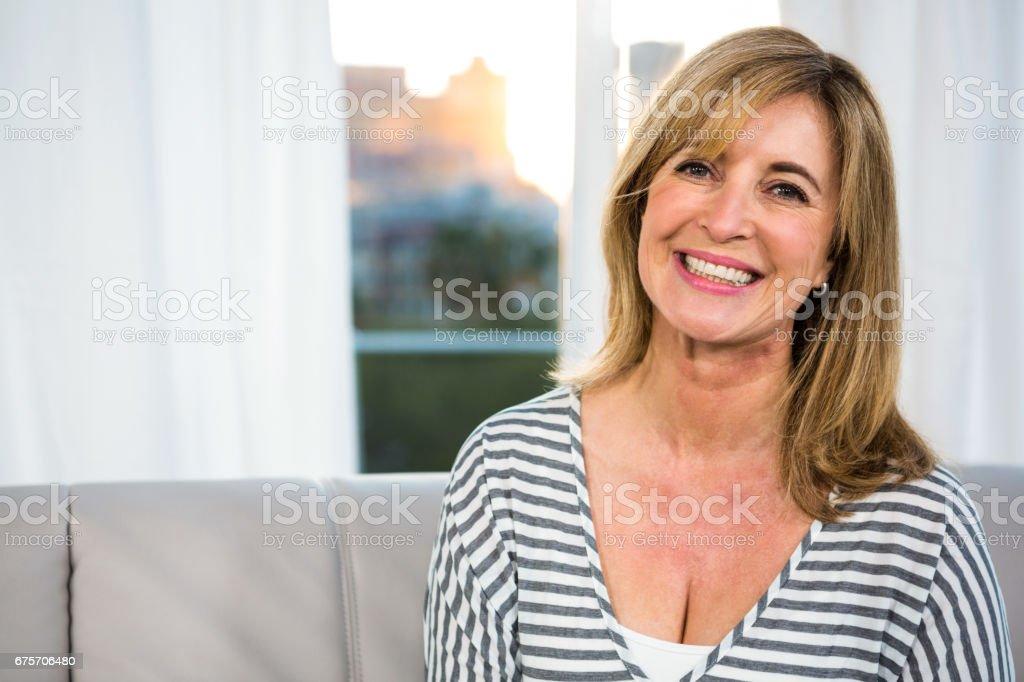 幸福的女人微笑 免版稅 stock photo