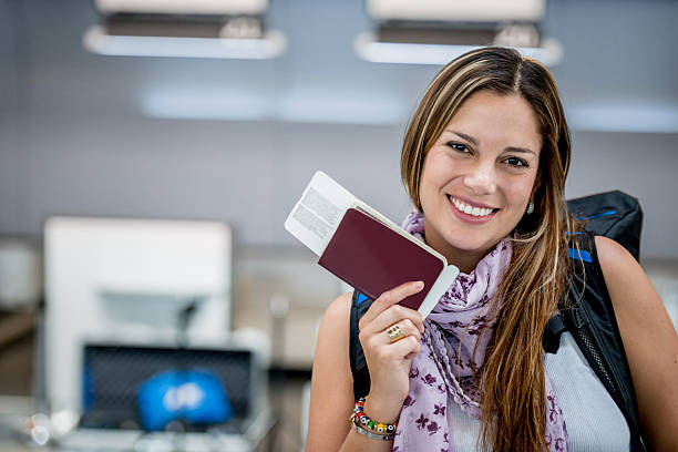 Femme heureuse voyage - Photo