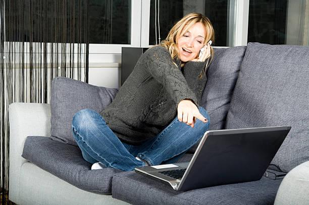 Szczęśliwy pracy z domu – zdjęcie