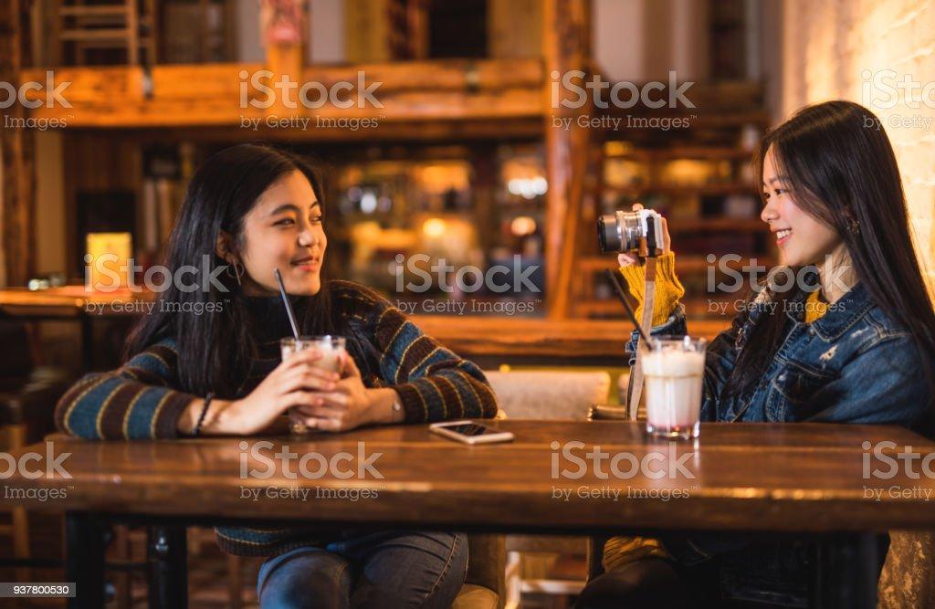 Asian Bar Girls Cam
