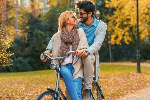 Dating mit einem erwachsenen model