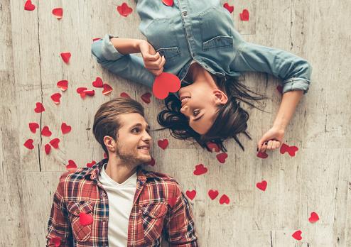 Happy Young Couple - ウクライナのストックフォトや画像を多数ご用意