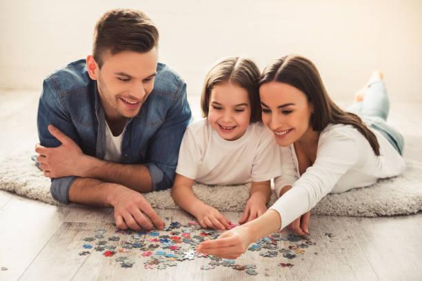 Happy Junge Familie – Foto