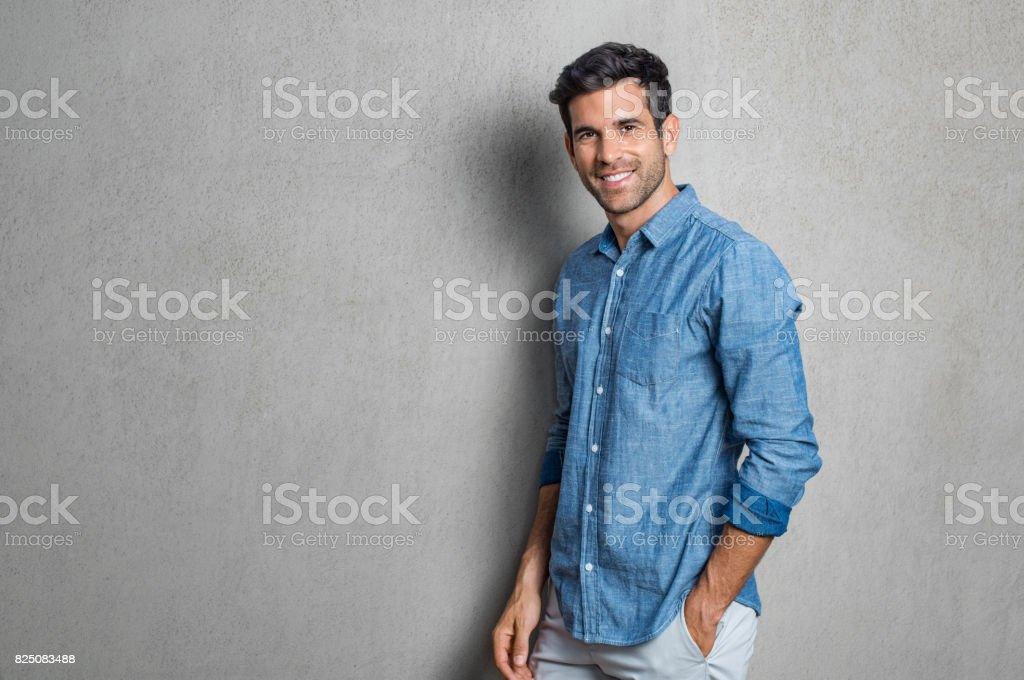 Glückliche junge Mann – Foto