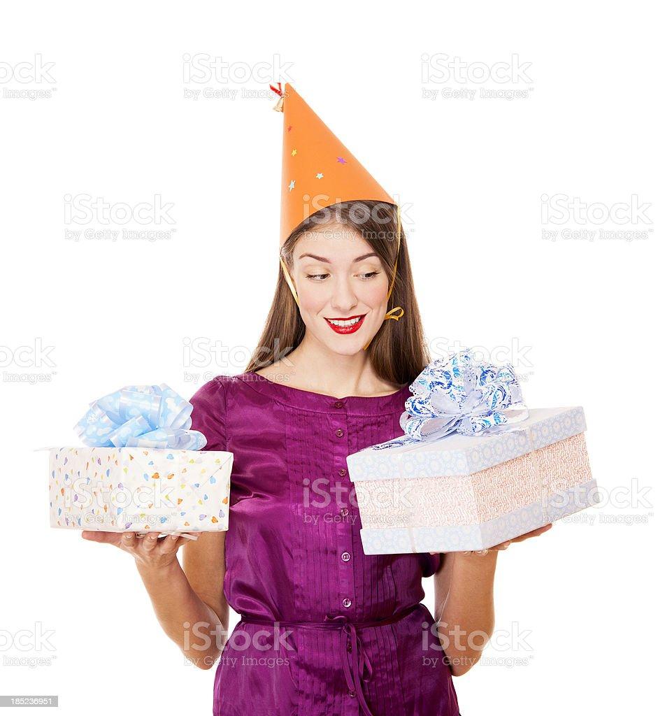 Glückliche junge Frau holding Geschenke – Foto