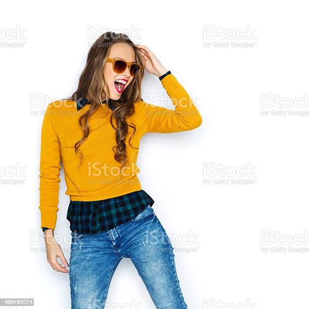 Feliz Mujer Joven O Adolescente Chica En Ropa Informal Foto De Stock Y Mas Banco De Imagenes De 2015 Istock