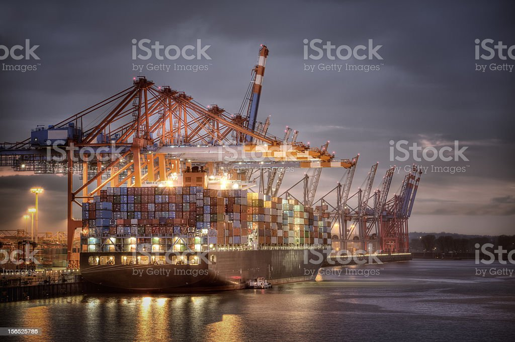 Al puerto - foto de stock