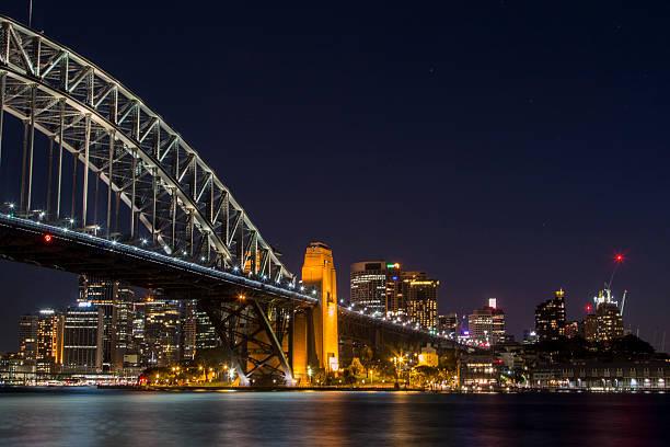 skyline di sydney harbour bridge, - convenzione sulla diversità biologica foto e immagini stock
