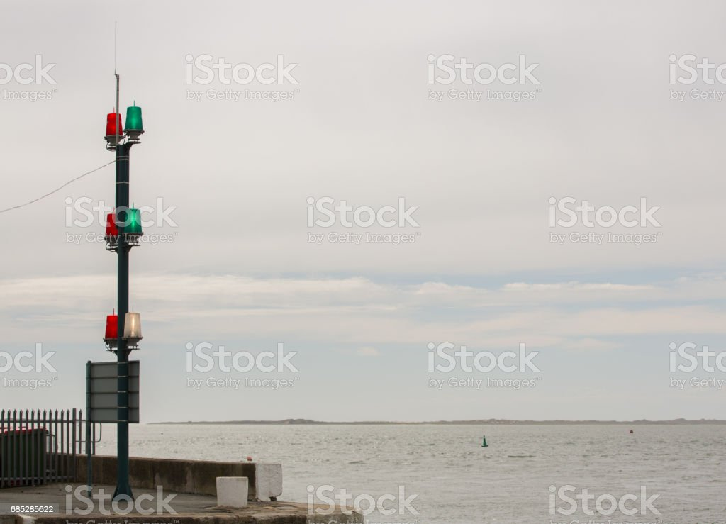 Harbour lights red green white warning shipping foto de stock royalty-free