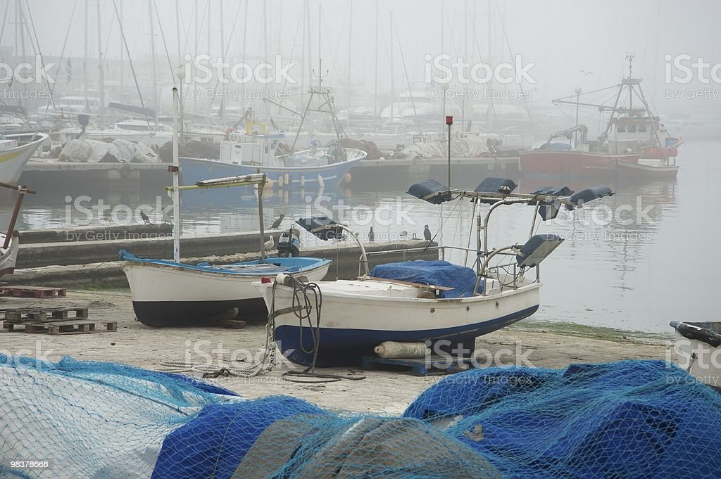 Harbour con Nebbia foto stock royalty-free
