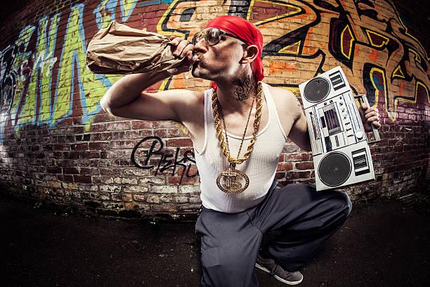 hardcore-gangsta rapper - schlechte laune sprüche stock-fotos und bilder
