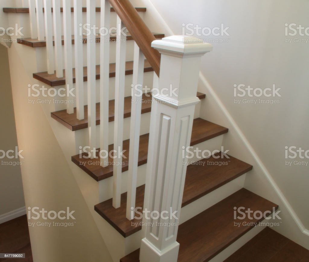 Hardwood Staircase Classic Style Interior Steps Stairway ...