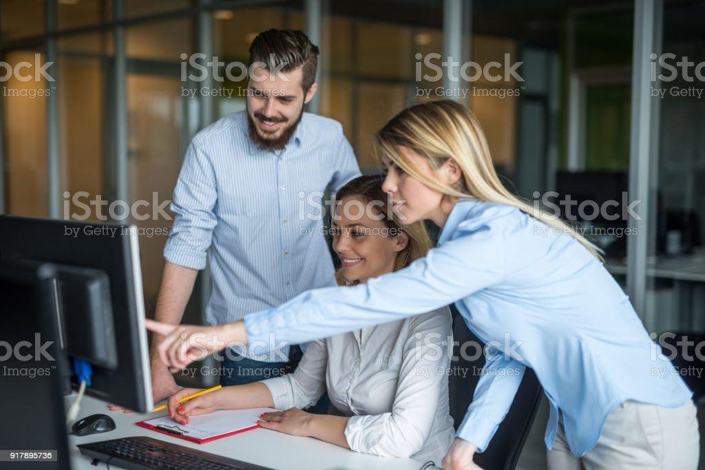 business-team hart arbeitenden – Foto