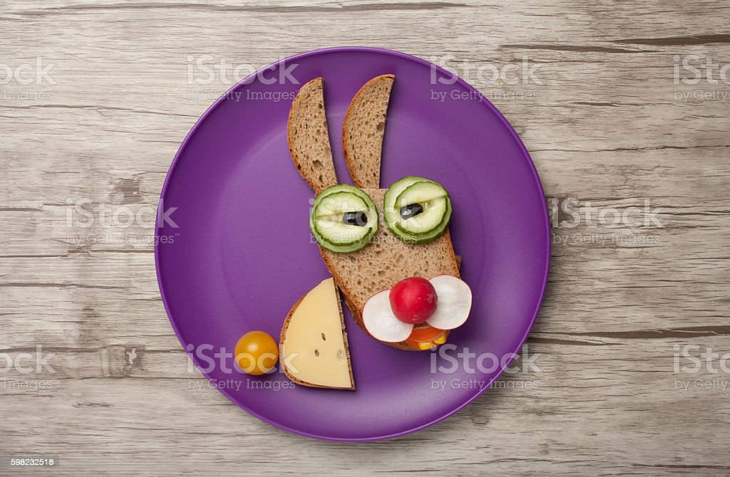 Hare made of bread and vegetables foto royalty-free